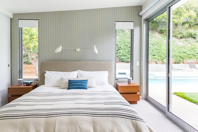 Midcentury Bedroom by Lewis / Schoeplein architects