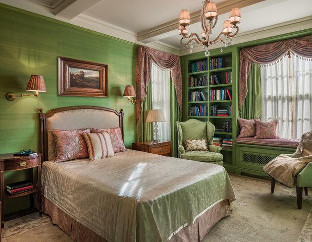 Victorian Bedroom by Eberlein Design Consultants Ltd.