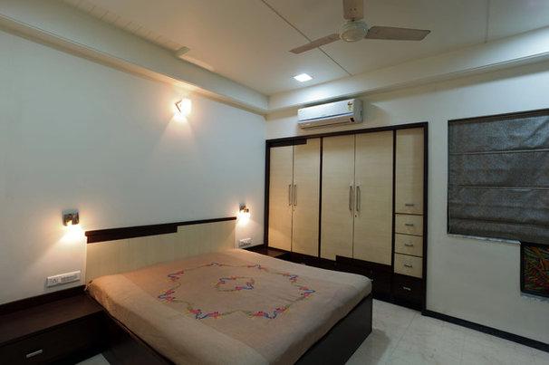 Contemporary Bedroom by CULTURALS INTERIOR DESIGNERS