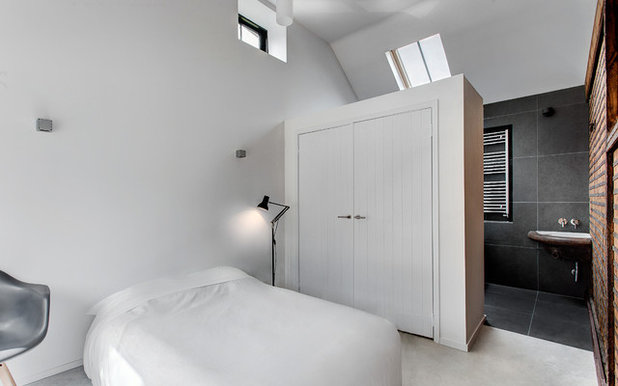 Minimalistisch Schlafzimmer by AR Design Studio Ltd