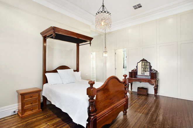 Traditional Bedroom by Bagnato Architects