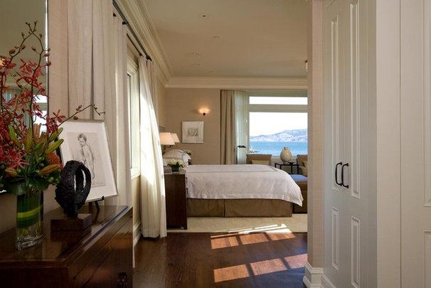 Traditional Bedroom by Sutton Suzuki Architects