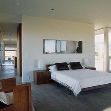Modern Bedroom by Marmol Radziner