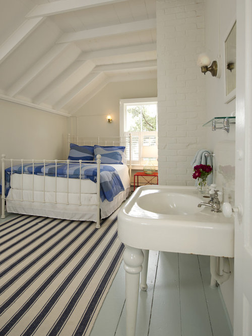 Cape cod upstairs bathroom renovation home design ideas pictures remodel and decor - Attic bedroom design ideas with wooden flooring ...