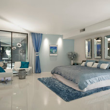 Contemporary Bedroom by Spry Architecture