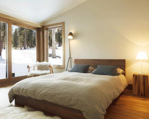 Minimalist bedroom houzz for Minimalist rustic bedroom