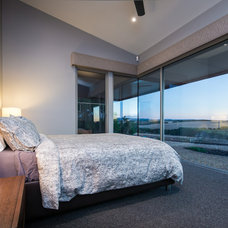 Contemporary Bedroom by Centrum Architects