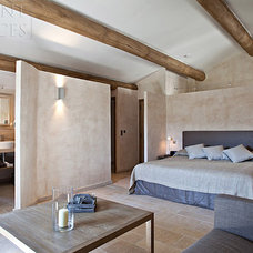 Modern Bedroom by Ancient Surfaces