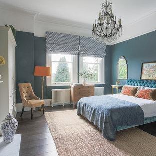 Camera da letto con parquet scuro Regno Unito - Design, Foto ...
