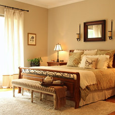 Traditional Bedroom by All 4 Show, LLC