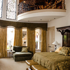 traditional bedroom by Kitty Raulston-Thomas Interior Designs