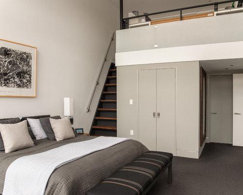Chambre mansard e ou avec mezzanine moderne avec un sol en for Moquette moderne chambre