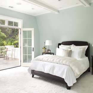 Inspiration for a timeless master carpeted bedroom remodel in San Francisco with blue walls
