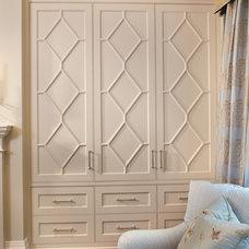 Traditional Bedroom by Harvest House Craftsmen