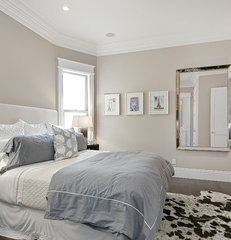 contemporary bedroom by Cardea Building Co.