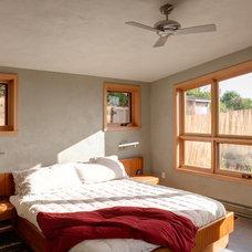 Contemporary Bedroom by Carlos Delgado Architect