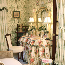 Traditional  by Exclusive Interiors inc.
