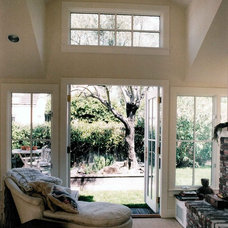 Contemporary Bedroom by Glenn Robert Lym Architect