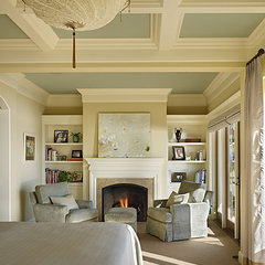 traditional bedroom by Gregory Carmichael