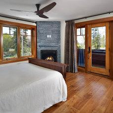 Traditional Bedroom by Habitat Studio
