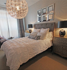 contemporary bedroom by Happy Interiors