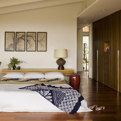 contemporary bedroom by Laidlaw Schultz architects