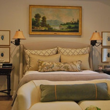 traditional bedroom by Mandi Smith T Interiors