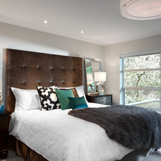 Modern Bedroom by Meister Construction Ltd