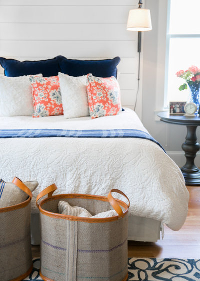 Fresh Rustic Bedroom by The Good Home Interiors u Design