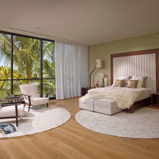 Midcentury Bedroom by Saccaro USA