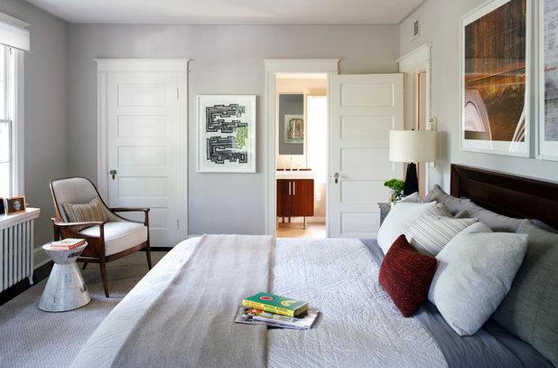 コンテンポラリー 寝室 by Sightline Art Consulting