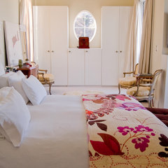 eclectic bedroom by Soledad Alzaga
