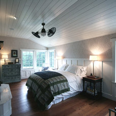 Traditional Bedroom by Sullivan, Goulette & Wilson Ltd. Architects
