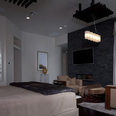 Modern Bedroom by Sunscape Homes, Inc