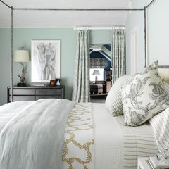 modern bedroom by Tara Seawright