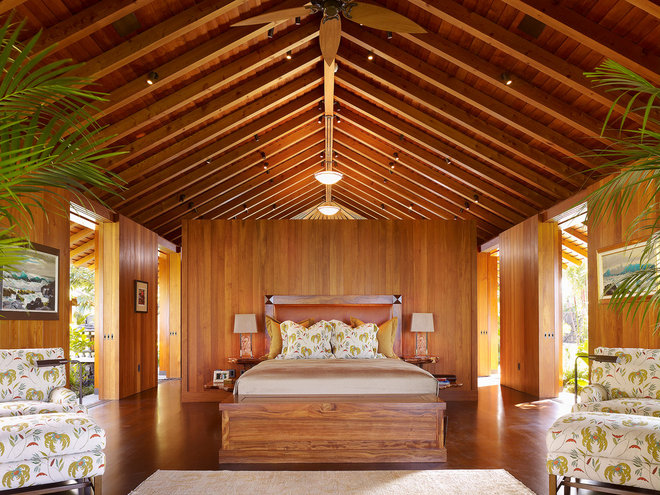 Tropical Bedroom by ZAK Architecture