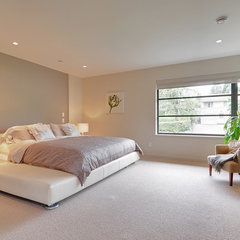 contemporary bedroom by Meister Construction Ltd