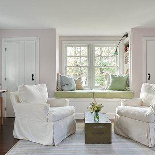 Foto de dormitorio principal, de estilo de casa de campo, grande, sin chimenea, con paredes rosas, suelo de madera oscura y suelo marrón