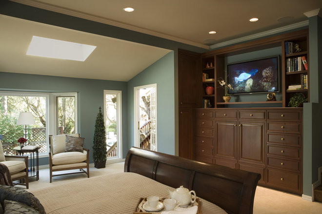 Traditional Bedroom by Harrell Remodeling