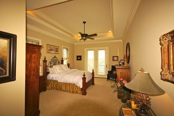 Traditional Bedroom by JOHN RICHARDS HOMES