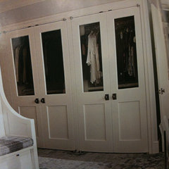 traditional bedroom Masterbed Closet Door