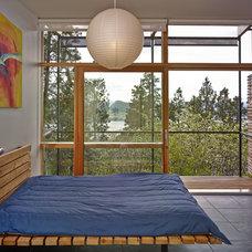 Modern Bedroom by The Robert Crowe Team - RE/MAX Vancouver