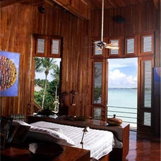 Tropical Bedroom by M. Castedo Architects
