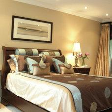 Traditional Bedroom by Chrisse Allan Design Associates