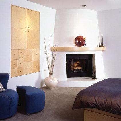 Southwestern Bedroom by Mark English Architects, AIA