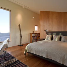 Contemporary Bedroom by Malcolm Davis Architecture