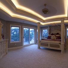Mediterranean Bedroom by Habitat Architecture