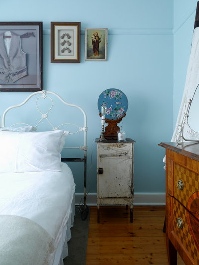 Shabby-chic Style Bedroom by Kate Hansen Photography