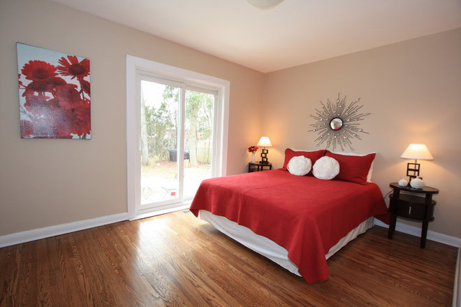 Contemporary Bedroom by Nitin