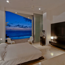 Contemporary Bedroom by PA Real Estate Photo